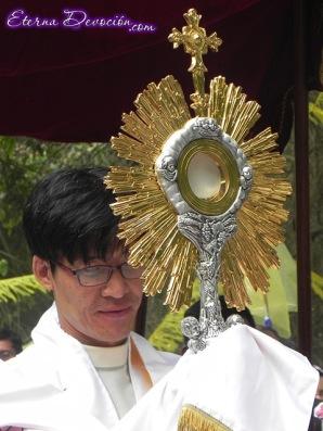 procesion-eucaristica-decanato-sacatepequez-mayo-2013-047